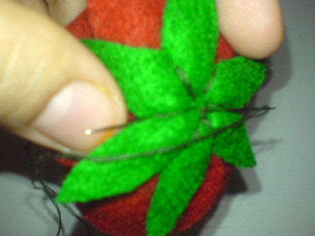 Kreasi Kain Flanel Mawar Merah (A Red Rose Felt Craft Tutorial)